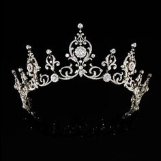 A century rose-cut diamond aigrette tiara. A diamond, gold and platinum tiara, circa A 14 karat white gold and dia. Royal Crowns, Royal Tiaras, Tiaras And Crowns, Princess Crowns, Royal Jewelry, Fine Jewelry, Antique Jewelry, Vintage Jewelry, Diamond Tiara