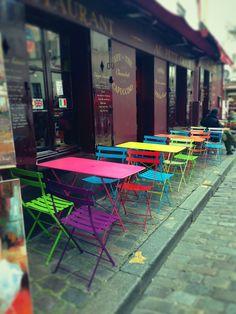 Esplosione di colori in un pomeriggio parigino