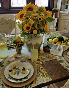 French Farmhouse Lemons and Sunflowers Tablescape Thanksgiving Table Settings, Holiday Tables, Christmas Tables, Lemon Kitchen Decor, French Farmhouse, French Cottage, Country French, Dinning Table, Dining Room