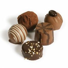Truffes, pralinés, au lait... les variétés du chocolat sont sans fin ! Hot Chocolate tasting (like a wine flight?) recommended. In Wintzenheim