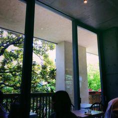 BLUE BOTTLE COFFEE AOYAMA CAFE -Minamiaoyama TOKYO JAPAN iPhone7/Onecam/VSCO  #ブルーボトルコーヒー #BLUEBOTTLECOFFE #ブルーボトルコーヒー青山 #カフェ #cafe #japan #minamiaoyama #tokyo #vscocam #vscocamgram #instagramjapan #ig_japan #youmobile #instadiary #vscocam #iphonephotography #shotoniPhone #shotoniPhone7 #ink361_mobile #ink361_asia #reco_ig #igersjp #mwjp #team_jp_東 #indies_gram #hueart_life #ig_street #streetphotography #写真好きな人と繋がりたい #写真撮ってる人と繋がりたい #iPhone越しの私の世界 @bluebottle @bluebottlejapan