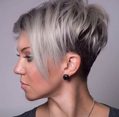 The pixie cut is versatility.Need to find pixie cuts and pixie hairstyles inspiration?Click our list of 80 trending pixie haircuts for women now. Round Face Haircuts, Hairstyles For Round Faces, Pixie Hairstyles, Short Hairstyles For Women, Layered Hairstyles, Hairstyles 2018, Pixie Haircuts, Wedding Hairstyles, Trendy Hairstyles