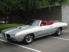 1971 Pontiac GTO Judge Convertible. If you're gonna get a convertible sports car, do it right!!!! Looooove this car!!!!!
