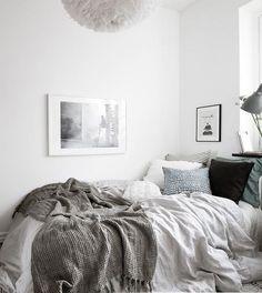 Cool 40 Simple Minimalist And Cozy Bedroom Decor Ideas