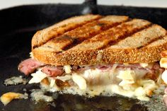 27 Borderline Insane Grilled Cheeses That Make Life Worth Living http://www.cheeserank.com/culture/insane-grilled-cheeses-recipes-sandwiches/?utm_campaign=BS_27GC_Mobile_11.6&utm_source=facebook&utm_medium=social&utm_content=Hit+Me+Baby#!/image-8