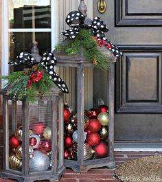 100 Best Porch Christmas Decorations Give your front porch a festive makeover this holiday season with one of these hundred Christmas porch decorating ideas. These stunning porch Christmas displays are sure to impress your. Rustic Christmas, Christmas Home, Christmas Holidays, Christmas Crafts, Christmas Porch Ideas, Simple Christmas, Homemade Christmas, Christmas Front Porches, Christmas Reef