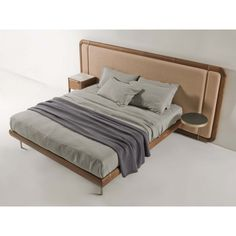 Killian bed from Porada. Kibo Living is nordic agent for Porada. Master Bedroom Interior, Bedroom Bed Design, Bedroom Furniture, Furniture Design, Master Room, Furniture Showroom, Furniture Layout, Wooden Bedroom, Brass Bed