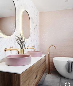 Le graal pour aujourdhui ! #bath #bathroom #pink #white #light #wall #mirror #design #interior #wood #interiordesign #interiordecorating #inspi #inspiration #pinterest #photo #photography #photooftheday #mood #decor #decoration #decorating #pic #picture