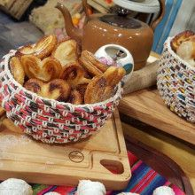 Facturas hojaldradas rellenas - Cocineros Argentinos Apple Pie, French Toast, Breakfast, Desserts, Amelia, Food, Breads, Dulce De Leche, Sweet And Saltines