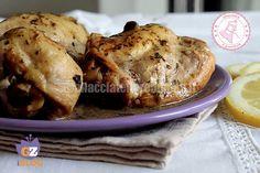 il pollo magico al limone è una ricetta facilissima per ottenere un pollo morbido succoso e per niente asciutto.