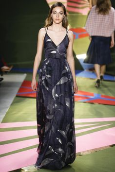 See the complete Lela Rose Fall 2016 Ready-to-Wear collection.