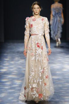 See the Marchesa autumn/winter 2016 collection. Click through for full gallery at vogue.co.uk