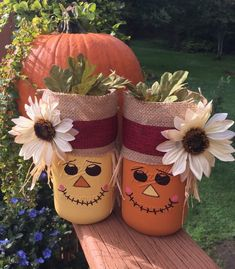 Scarecrow mason jar//farmhouse decor//fall home decor//mason jar decor//painted mason jars scarecrow pot mason // farm decor // fall home decor … Fall Mason Jars, Mason Jar Gifts, Mason Jar Diy, Thanksgiving Crafts, Thanksgiving Decorations, Holiday Crafts, Decorated Jars, Painted Mason Jars, Fall Diy
