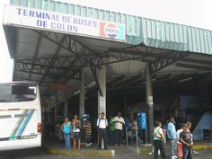 Personas de la tercera edad se quejan de maltrato en buses Panamá-Colón
