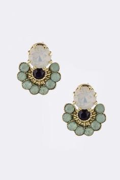 I'm drawn to the shape of these lovely vintage looking earrings