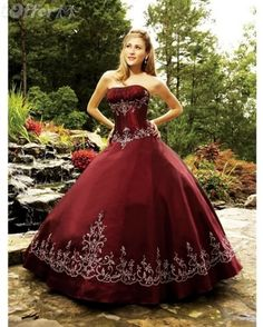 dark-red-princess-embroidery-prom-ball-dress-03525.jpg (582×727)