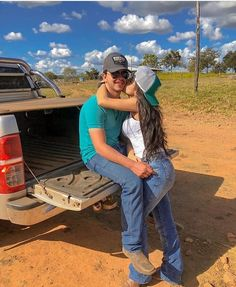 Country Couple Pictures, Cute Country Couples, Cute Country Boys, Cute Couples Photos, Cute Couple Pictures, Cute Couples Goals, Cute Photos, Couple Pics, Country Relationships