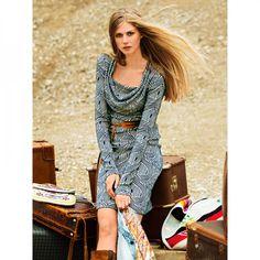 Robe à col bénitier n°111 de Burda Style Octobre 2014