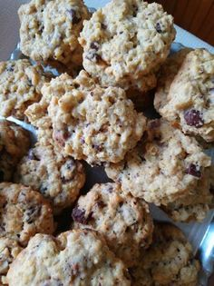 Csokis-kókuszos zabpelyhes keksz Krispie Treats, Rice Krispies, Cauliflower, Vegetables, Desserts, Food, Deserts, Head Of Cauliflower, Veggies