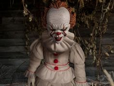 It (2017) Mezco Designer Series Pennywise Roto Plush Doll  Product Description  From the Warner Bros. blockbuster film IT (2017) Mezco presents the MDSRotoPlushPennywise.  At approximately 18 inches tall the MDSRotoPlushPennywisefeatures a menacing stare and maniacal grin. The demonic shape-shifter is outfitted in a clown costume with ruffle detailing around the collar wrists and ankles.  Pennywise based on the novel IT by Stephen King is the red balloon-toting demonic clown who terrorizes…