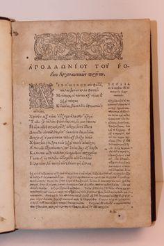 """Argonauticon libri IIII - APOLLONIUS RHODIUS - GINEVRA · HENRICUS STEPHANUS · 1574 - In 8° (231×152 mm.), pp. 240 + 2cc. n.n. (numerazione A-Z⁴; A-H⁴). Tagli con tracce di tarli, presenti anche su alcune carte. Manca il frontespizio. Testo in greco, brunito. Importante nota manoscritta di Matteo Egizio """"doctissima scolai in scolarium non unicy autory suo  tavohei? laudi sophoclei et theori doctorissimorum grammaricorum habei schol aristophi in nubib. """" con firma. Rare Books."""