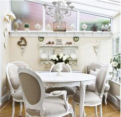 Looking for your ideal garden room? be inspired by the stunning conservatory, orangery and garden room and outdoor room design ideas in our gallery Conservatory Dining Room, Cottage Dining Rooms, Conservatory Ideas, Living Room, Small Rooms, Small Spaces, Small Dining, Dining Set, Dining Table