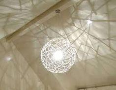 Diy yarn lamp