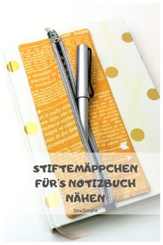 Süß und praktisch: Mäppchen für's Notizbuch nähen Sewing Pencil Case for & # s Notebook: A practical pencil case for sewing your notebook – this is a great project for beginners. The pencil case is simply attached to the notebook with a rubber band. Sewing Hacks, Sewing Tutorials, Sewing Tips, Fat Quarter Projects, Leftover Fabric, Love Sewing, Hand Sewing, Sewing Projects For Beginners, Diy Projects