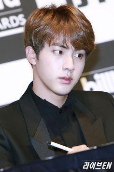 BTS    PRESS CONFERENCE    JIN P: MAITE