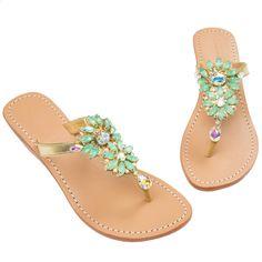 Pretty Sandals, Beautiful Sandals, Pretty Shoes, Cute Shoes, Shoe Boots, Shoes Sandals, Sandals Outfit, Flat Shoes, Flat Sandals