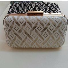 Şükran Vintage Accessories, Bag Accessories, Bargello, Wallets For Women, Fashion Bags, Clutch Bag, Purses And Bags, Diy And Crafts, Zip Around Wallet