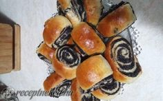 héja Minion, Sushi, Food And Drink, Ethnic Recipes, Poppy, Cake, Christmas, Xmas, Kuchen