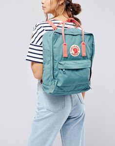 Buy Fjallraven Classic Kanken Backpack in Green with Contrast Pink at ASOS. With free delivery and return options (Ts&Cs apply), online shopping has never been so easy. Get the latest trends with ASOS now. Mochila Jansport, Mochila Kanken, Bags For Teens, Girls Bags, Backpack Outfit, Kanken Backpack, Vsco, Yellow Kanken, Mochila Adidas