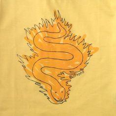 Queria ter 10 anos para poder vestir essa T-Shirt do Boitatá :D