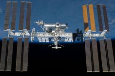 Laut Roscosmos wurden an der Außenseite der Raumstation Lebewesen von der Erde gefunden. Deshalb sucht man nun auch nach außerirdischen Lebensformen an der ISS.