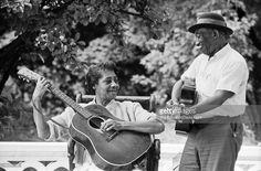 Folk blues musicians Elizabeth Cotten and Mississippi John Hurt pose... News Photo | Getty Images