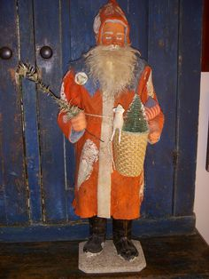 Santa clockwork,27 inches tall