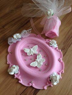 Kokulu Taş Modelleri Cold Porcelain, Porcelain Ceramics, Diwali Facts, Yarn Dolls, Baby Favors, Diwali Decorations, Heart Art, Clay Crafts, Altered Art