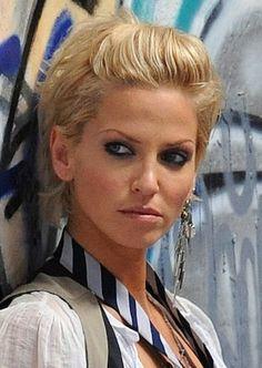 sarah harding hair - Google Search Sarah Harding Hair, Medium Hair Styles, Short Hair Styles, Hair With Flair, Celebrity Short Hair, Short Blonde, Blonde Bobs, Hair Magazine, Hair Remedies