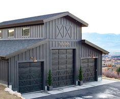 Pole Barn Garage, Pole Barn House Plans, Pole Barn Homes, Barn Plans, Garage Doors, Up House, Garage House, Garage Design, House Design