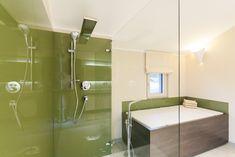 Classic 157 S Salzburg/Eugendorf Salzburg, Bathroom Lighting, Bathtub, Mirror, Classic, Furniture, Home Decor, Bathtubs, Classical Architecture