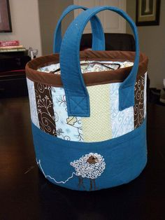 Knitting basket bag I made for my mom with hand embroidered wooly sheep design #embroidery