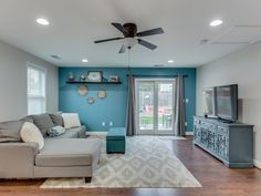 Turquoise Accent Walls, Living Room Turquoise, Beige Living Rooms, Living Room Orange, Accent Walls In Living Room, Colourful Living Room, Paint Colors For Living Room, Aqua Walls, Brown Accent Wall