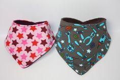 """Halstücher für Babys und Kleinkinder sind sehr praktisch. Schön warm am Hals und praktisch gegen """"Sabbern"""""""