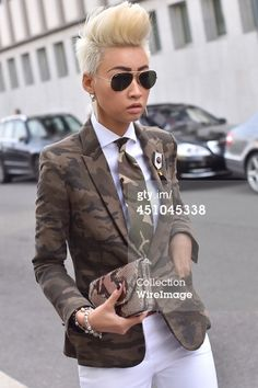 News Photo : Esther Quek arrives at Bottega Veneta Fashion...