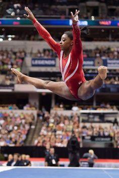 Simone Biles US championship - Bing images Gymnastics Moves, Gymnastics World, Gymnastics Posters, Gymnastics Pictures, Sport Gymnastics, Artistic Gymnastics, Olympic Gymnastics, Olympic Sports, Olympic Games