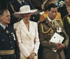 June 10 1991 Charles & Diana visit Munster in Germany for the Drumhead Service of Remembrance and Thanksgiving, she arrives at Swinton Army barracks in Munster, Germany Princess Diana Rare, Princes Diana, Royal Princess, Prince And Princess, Princess Of Wales, Diana Spencer, Charles And Diana, Prince Charles, Catherine Walker