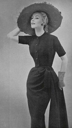 1952 fashion by Dior