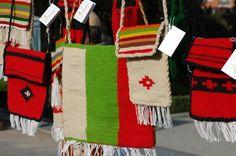 World Vision România pune în valoare arta populară oltenească şi ... Pune, Arts And Crafts, Art And Craft, Art Crafts, Crafting