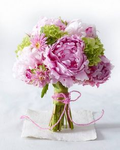 Pink and green floral bouquet Floral Bouquets, Wedding Bouquets, Wedding Flowers, My Flower, Beautiful Flowers, Beautiful Gorgeous, Simply Beautiful, Peonies And Hydrangeas, Green Hydrangea